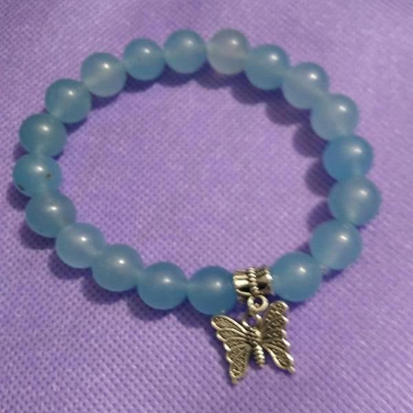 Bracelet perles aigue-marine avec papillon